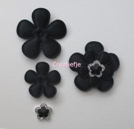 Set vilten bloemen zwart met flatbacks