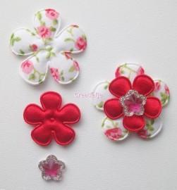 Set bloemen rood met print.