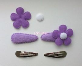 Zelf haarspeldjes maken paars pluche met vilten bloemen van 4.5 cm.