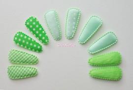 Set 10 kniphoesjes groen assorti van 3.5 cm.